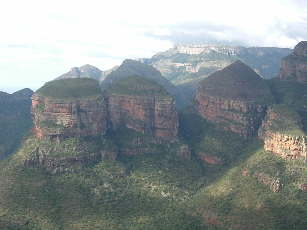 Our Junior Online Marketing Manager climbs the Drakensberg Mountains