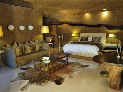 Featured Image_Earth Lodge